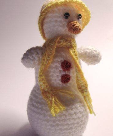 Soft toys: Hand knitted Snowman